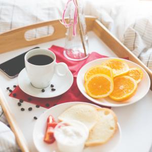 saint-valentin plateau déjeuner chambre appartement kangalou