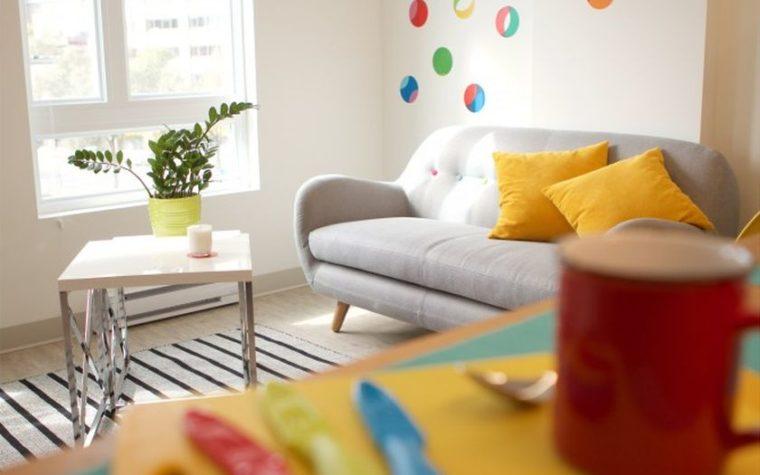 Inclure des pop de couleur dans votre appartement ?