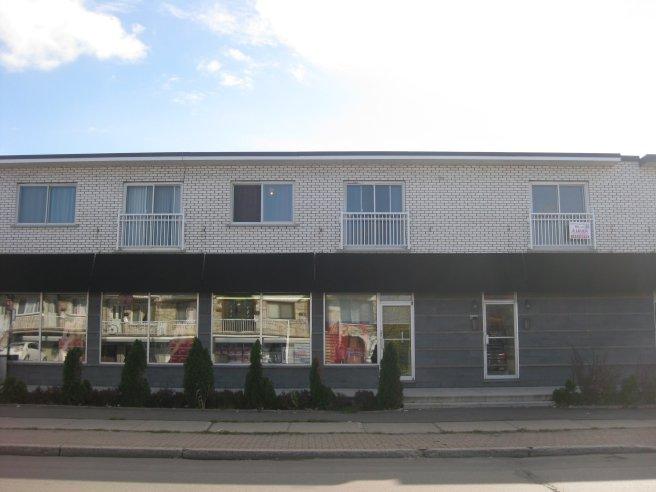 image 10 - Apartment - For rent - Montréal  (Saint-Leonard) - 3 rooms