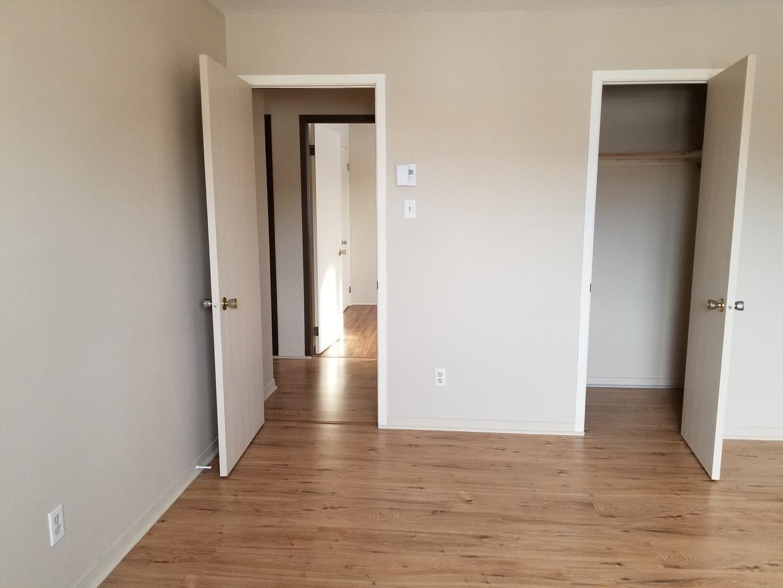 appartement louer 4 qu bec 4900 7e xxx kangalou. Black Bedroom Furniture Sets. Home Design Ideas