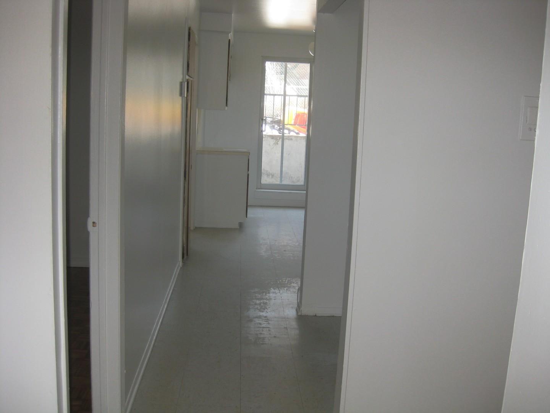 image 10 - Apartment - For rent - Montréal  (Montréal-Nord) - 4 rooms
