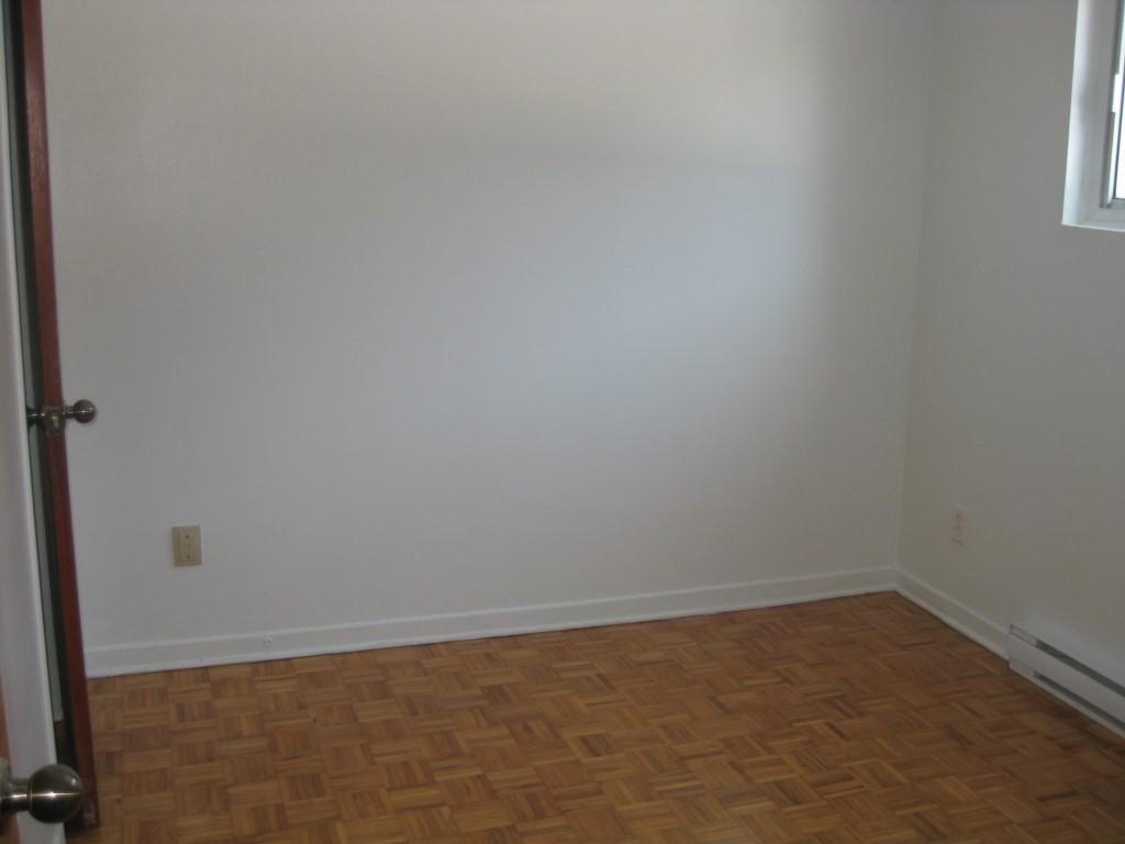 image 2 - Apartment - For rent - Montréal  (Montréal-Nord) - 4 rooms
