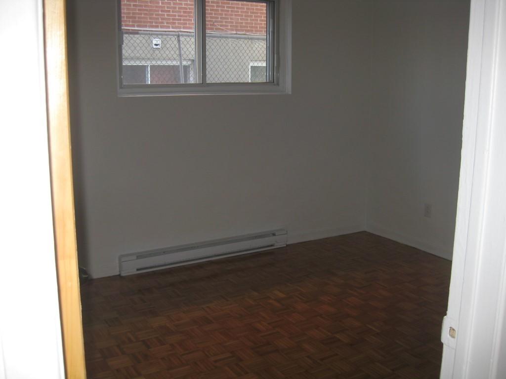 image 5 - Apartment - For rent - Montréal  (Montréal-Nord) - 4 rooms