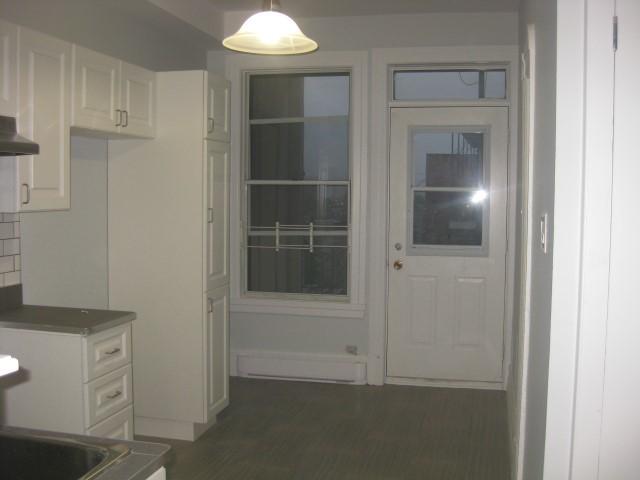 image 14 - Apartment - For rent - Montréal  (Centre-Sud) - 4 rooms