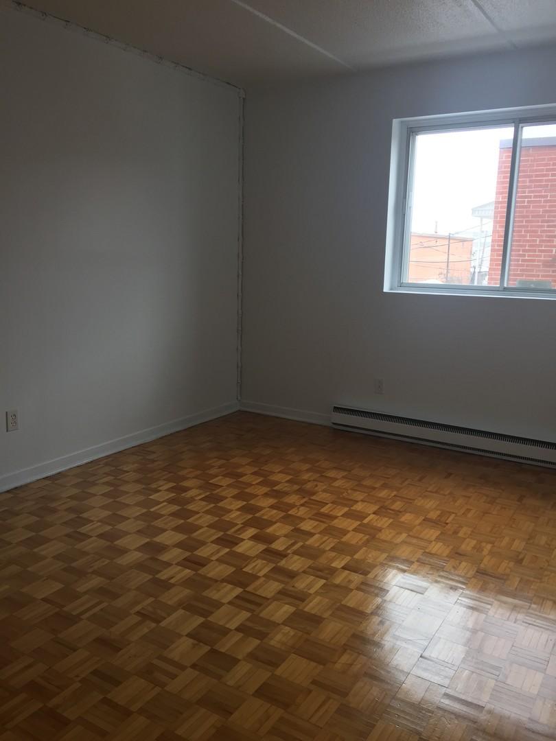 image 6 - Appartement - À louer - Montréal  (Montréal-Nord) - 4 pièces