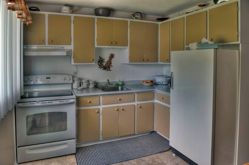 appartement louer 4 chicoutimi 1154 d 39 angouleme 1. Black Bedroom Furniture Sets. Home Design Ideas