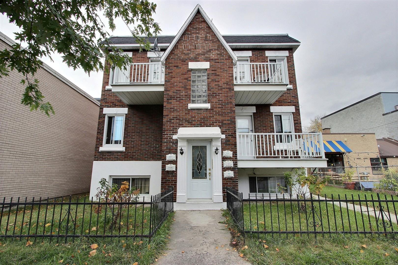 image 0 - Apartment - For rent - Montréal  (Tétreauville) - 2 rooms
