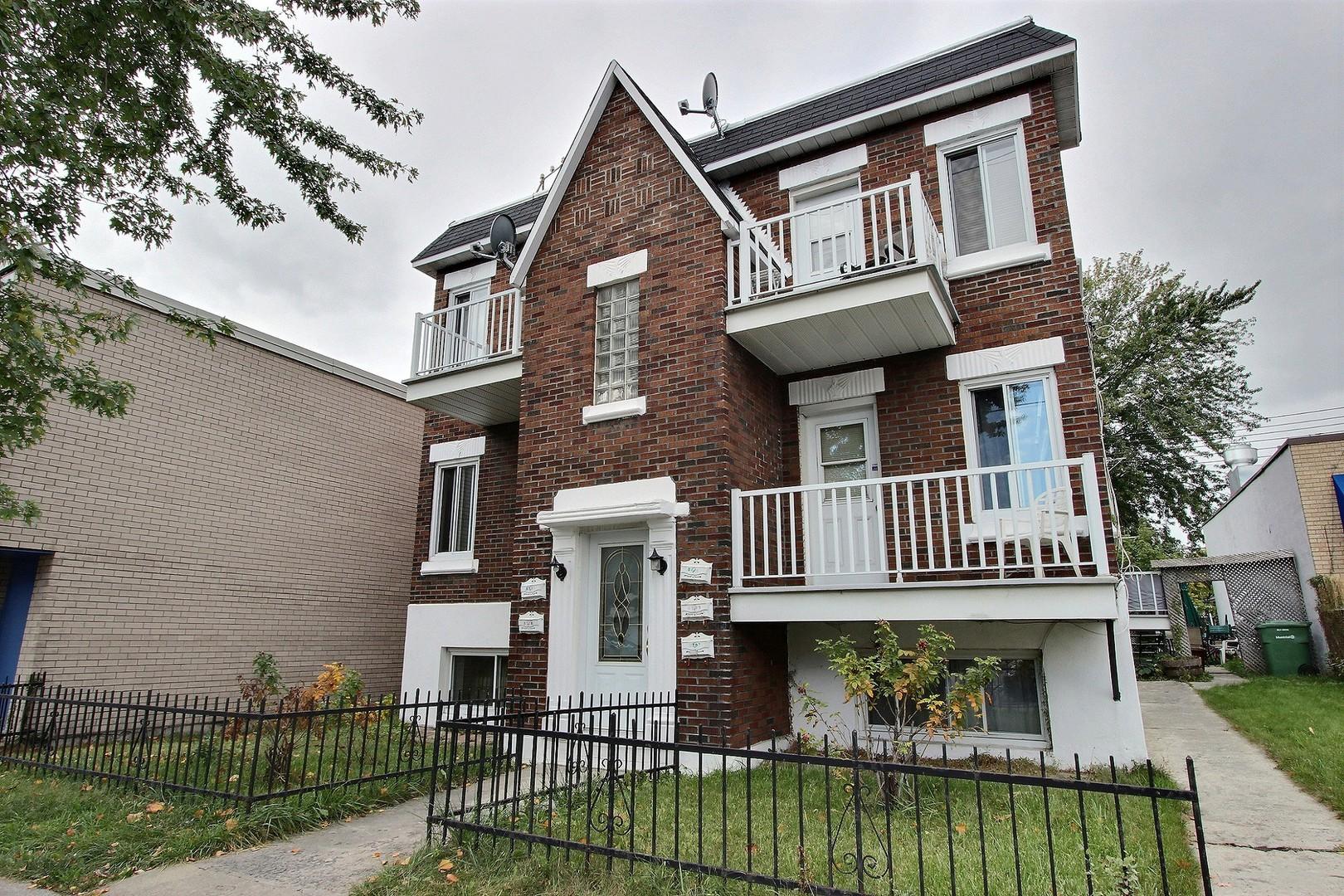 image 1 - Apartment - For rent - Montréal  (Tétreauville) - 2 rooms