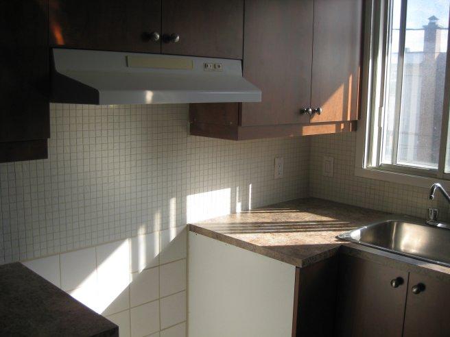 image 3 - Apartment - For rent - Montréal  (Saint-Leonard) - 3 rooms